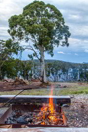 Outdoor fire at Bruny Island Lodge